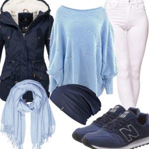 Blaues Damenoutfit mit Strickpullover und Sneakern