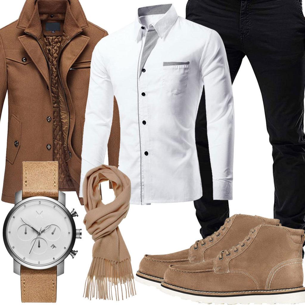 Business-Style mit beigem Mantel, Stiefeln und Uhr