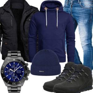 Blau-Schwarzes Herrenoutfit mit Hoodie und Stiefeln