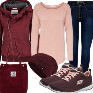 Herbst-Frauenoutfit in Weinrot und Apricot