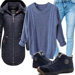 Blaues Damenoutfit mit Parka und Pullover