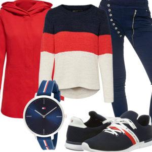 Damenoutfit in Rot, Weiß und Dunkelblau