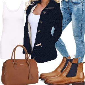 Damenoutfit mit Strickjacke, Tasche und Chelsea Schuhen