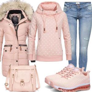 Rosa Damenoutfit mit Hoodie, Sneaker und Jacke