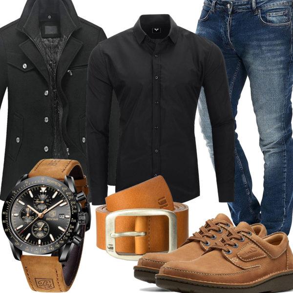Männer-Style mit schwarzem Hemd und Wollmantel