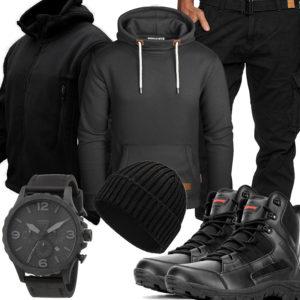 Schwarzes Herrenoutfit mit Fleecejacke und Stiefeln