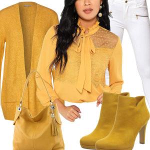 Gelb-Weißes Frauenoutfit mit Pumps und Bluse