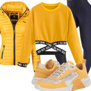 Gelb-Weißes Frauenoutfit mit schwarzer Leggings