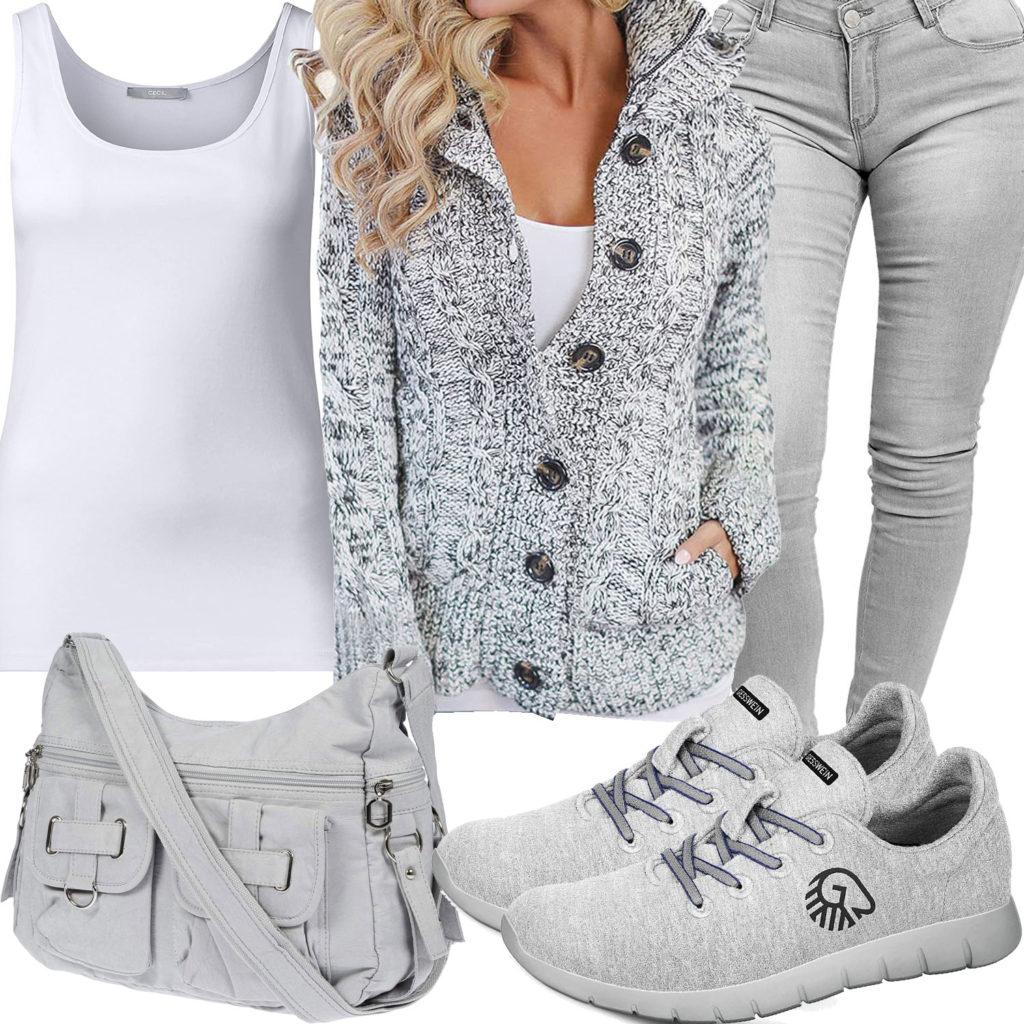 Hellgraues Damenoutfit mit Strickjacke und Jeans
