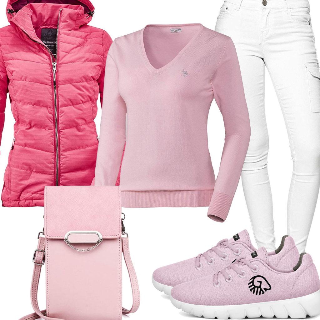 Rosa Damenoutfit mit Steppjacke, Pullover und Sneakern