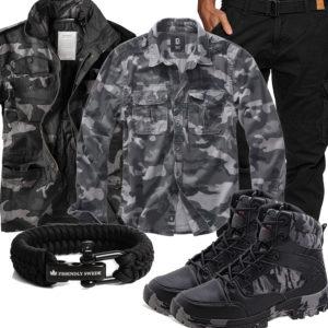 Schwarz-Graues Herrenoutfit mit Camouflage Jacke