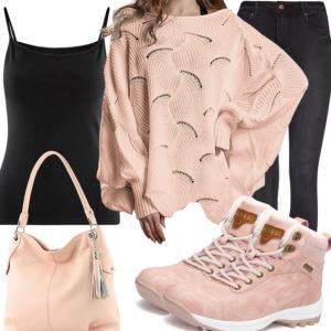Frauen-Style mit apricot Tasche, Pullover und Stiefeln