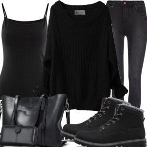 Schwarzes Damenoutfit mit Stiefeln, Pullover und Top