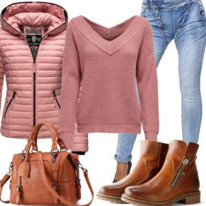 Frauen-Style mit altrosa Steppjacke und Pullover