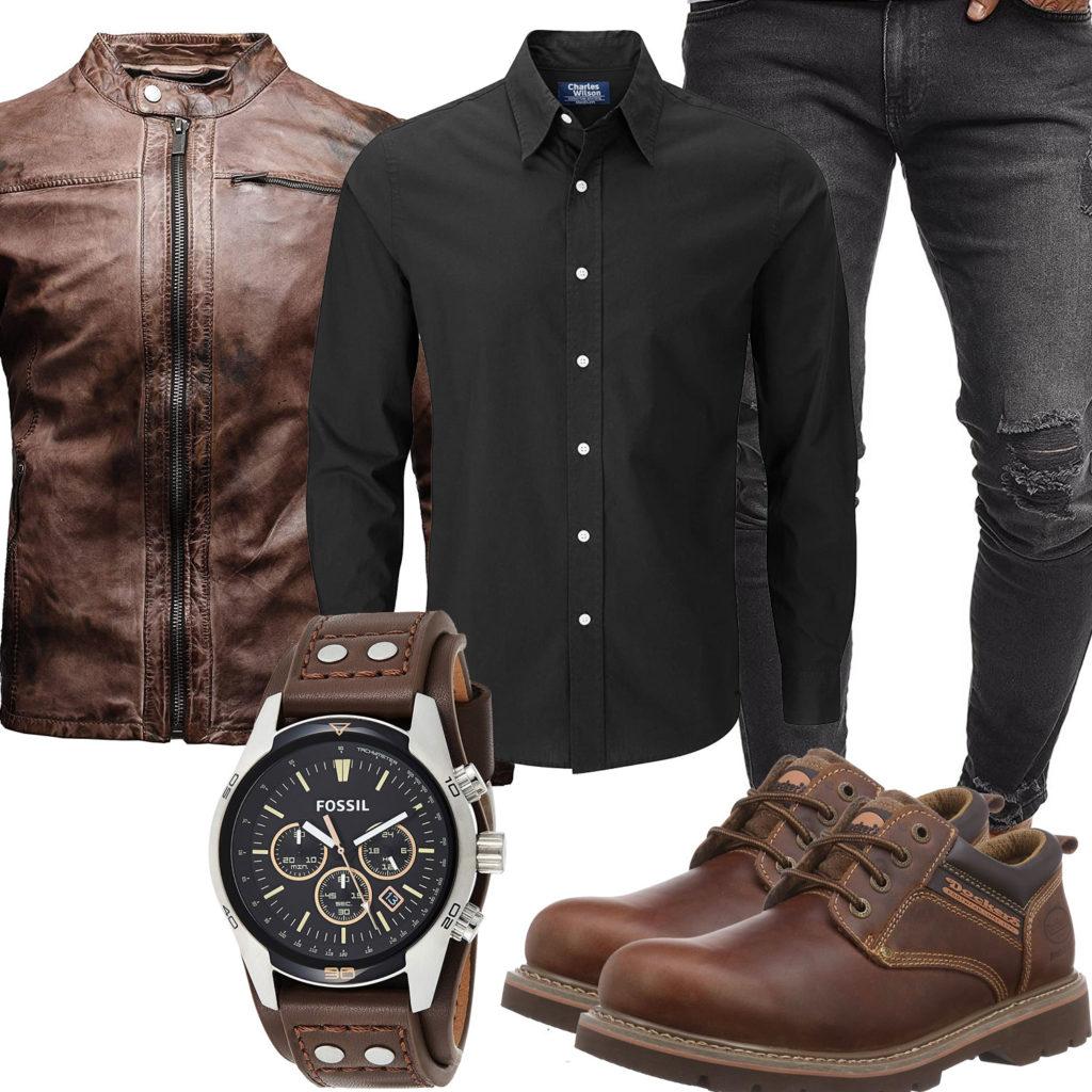 Herren-Style mit brauner Lederjacke, Uhr und Dockers