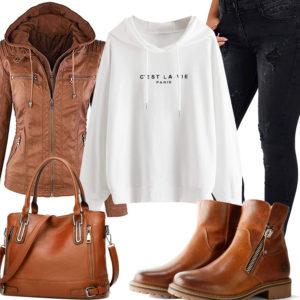 Frauen-Style mit brauner Lederjacke, Shopper und Stiefeln