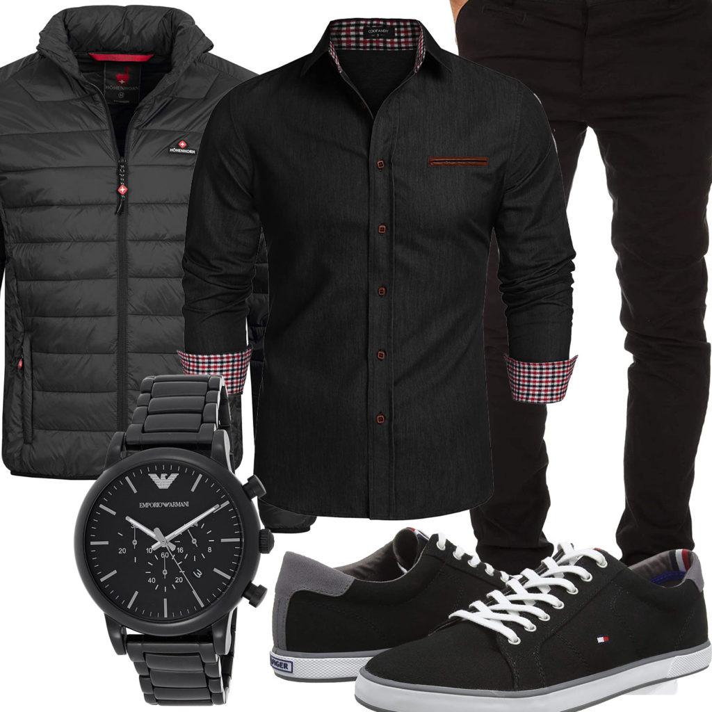 Schwarzes Herrenoutfit mit Hemd, Steppjacke und Chino