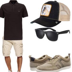 Sommer-Herrenoutfit mit schwarzem Poloshirt und Brille