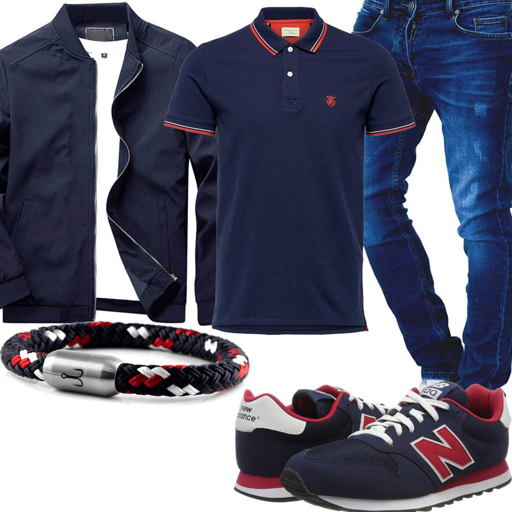 Dunkelblaues Herrenoutfit mit Poloshirt und Sneakern