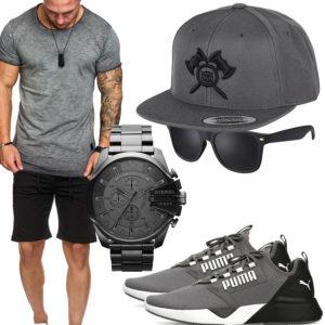 Hellgraues Herrenoutfit mit Shirt, Cap und Uhr