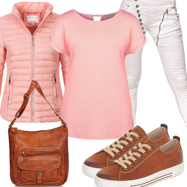 Frühlings-Damenoutfit mit rosa T-Shirt und Steppjacke