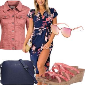 Sommer-Frauenoutfit mit rose Jeansjacke und Brille