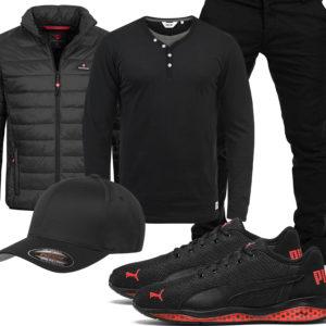 Schwarzes Herrenoutfit mit Steppjacke und Pullover