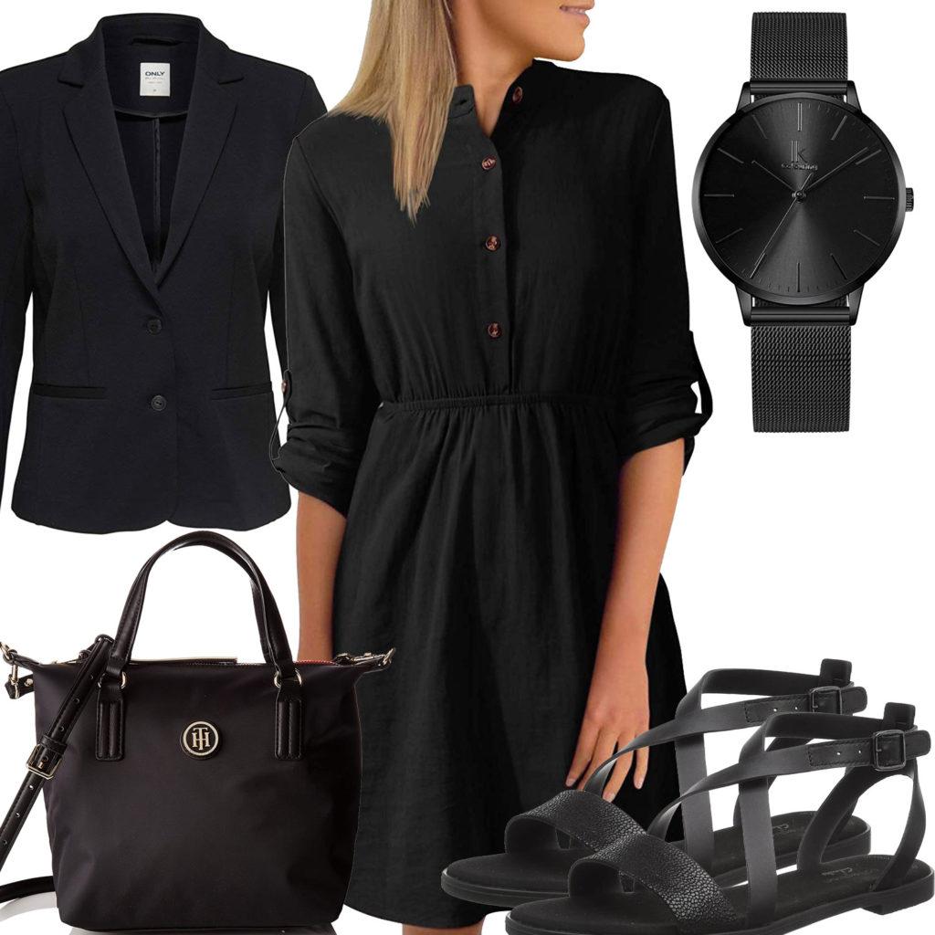 Schwarzes Frauenoutfit mit Sommerkleid, Sandalen und Blazer