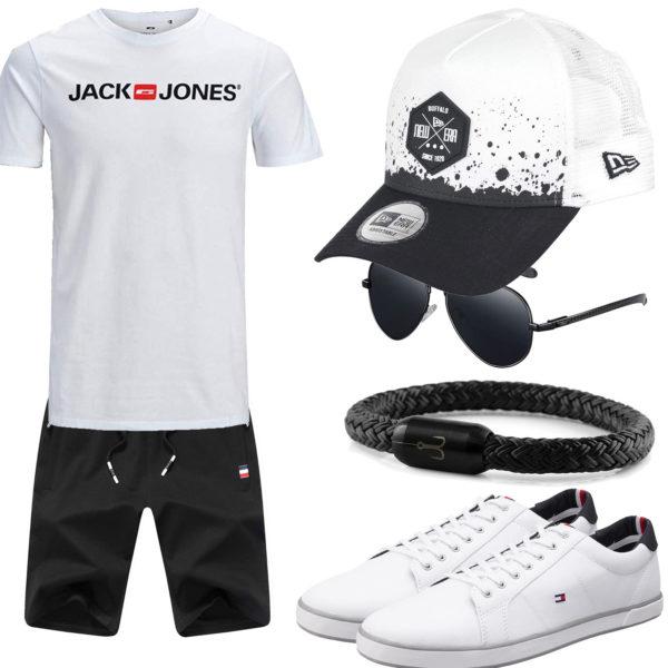 Schwarz-Weißes Herrenoutfit mit Cap und Sneakern