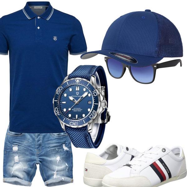 Blaues Herrenoutfit mit Poloshirt, Cap und Uhr