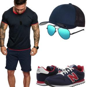 Blau-Rotes Herrenoutfit mit Shirt, Shorts und Cap