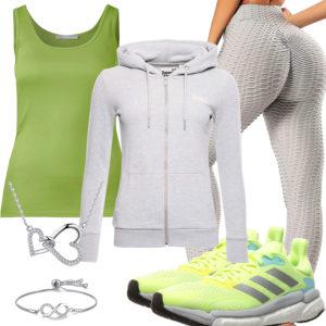Sportliche Frauenoutfit in Hellgrün und Hellgrau