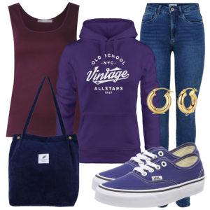 Lila-Blaues Frauenoutfit mit Hoodie und Top