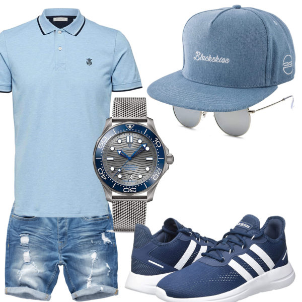Hellblaues Herrenoutfit mit Uhr, Cap und Sneakern