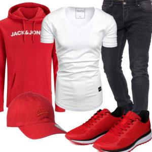 Rotes Herrenoutfit mit Cap, Hoodie und Sneakern