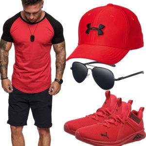 Rotes Herrenoutfit mit Cap, Sneakern und T-Shirt