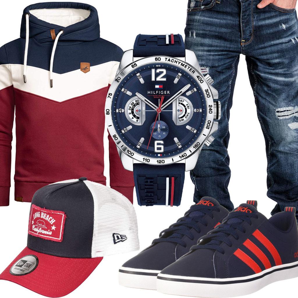 Blau-Rotes Herrenoutfit mit Uhr und Sneakern