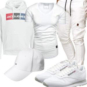 Weißes Herrenoutfit mit Hoodie, Shirt und Cap