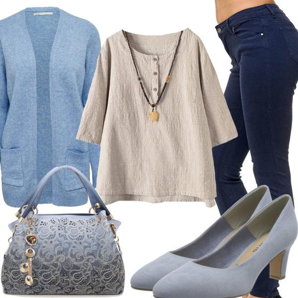 Lässiges Damenoutfit mit Bluse, Pumps und Strickjacke