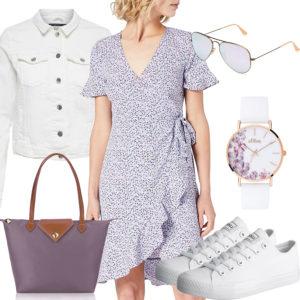 Weißes Sommer-Damenoutfit mit lila Kleid