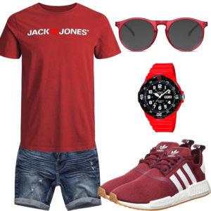 Rotes Herrenoutfit mit Shirt, Brille und Sneakern