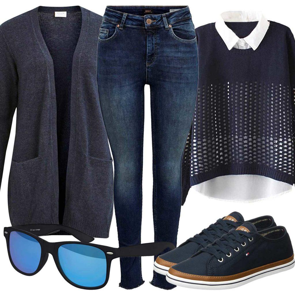 Blaues Damenoutfit mit Jeans, Strickjacke und Sneakern