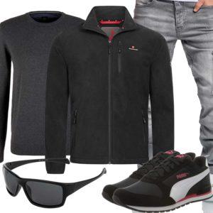 Schwarzes Herrenoutfit mit hellgrauer Jeans