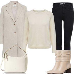 Beiges Damenoutfit mit Wollmantel und Pullover